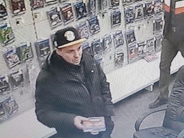 Похитителям дорогих наушников в ростовском «Эльдорадо» предлагают добром вернуть украденное