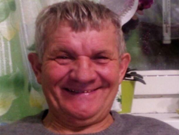 Седовласый мужчина вышел из больницы в Ростовской области и пропал