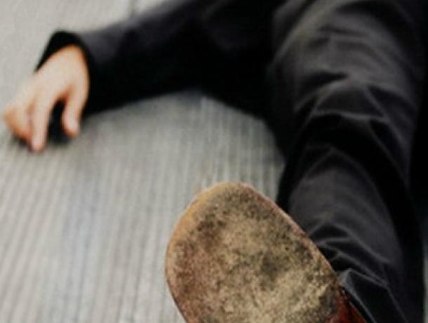 Подаренный детьми смартфон украл у погибшего на улице мужчины подросток-мародер в Ростовской области
