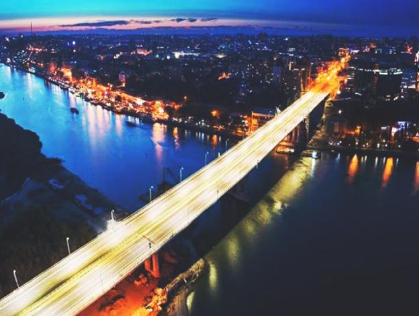 Более 9 млн рублей потратят на уборку и ремонт Ворошиловского моста в Ростове. Это много или мало?