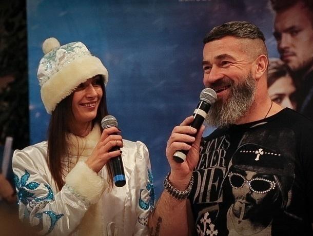 Битва Деда Мороза с силами зла тронула сердца ростовчан во время показа нового фильма