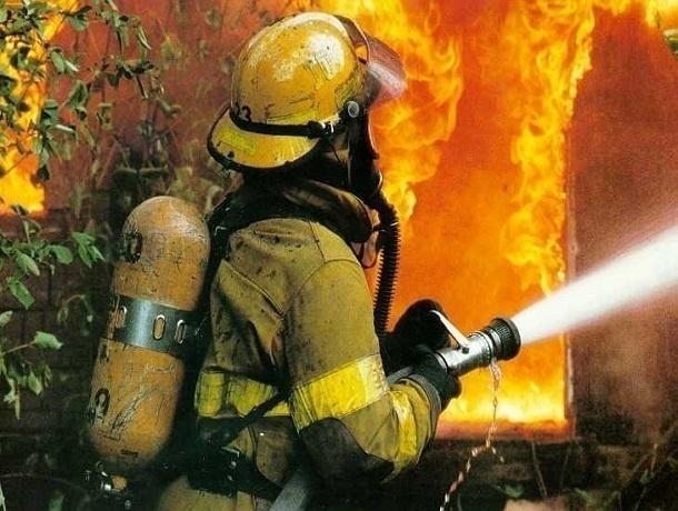 68-летняя пенсионерка пострадала впроцессе крупного пожара вРостове