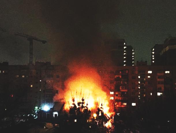 Бездомные жители Ростова устроили пожар в центре города