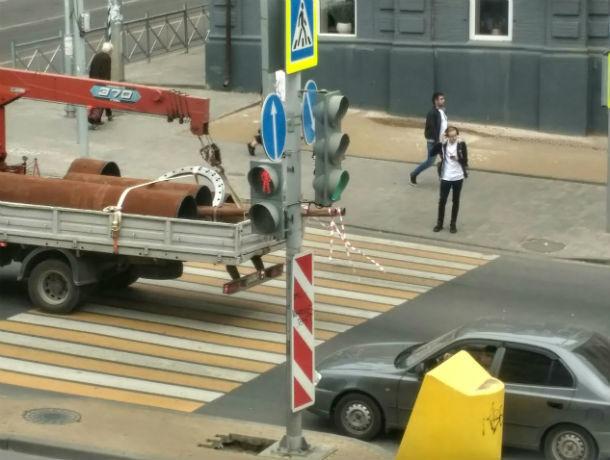 Пешеходный переход, доступный для «простых смертных», просят сделать ростовчане