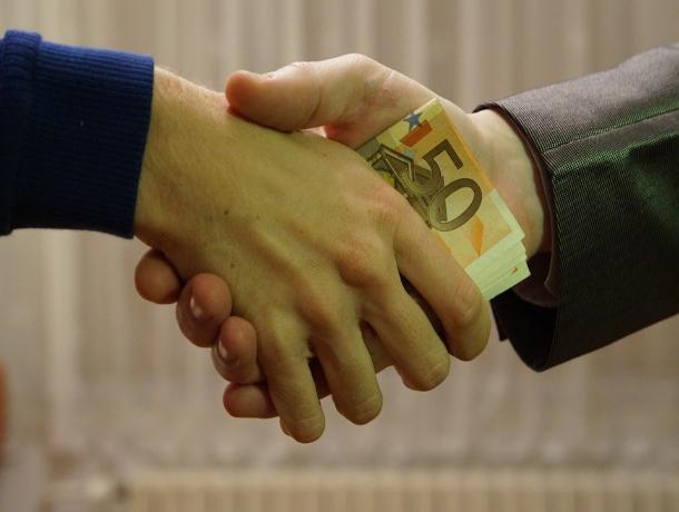 В Ростове осудили адвоката, обманувшего своего клиента на крупную сумму