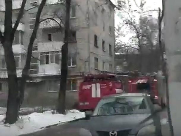 Два человека насмерть удушились во время пожара в собственной квартире в Ростове