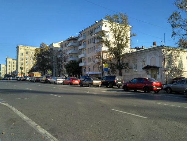 Ростов бьет рекорды по пробкам: семибалльные заторы сковали улицы донской столицы
