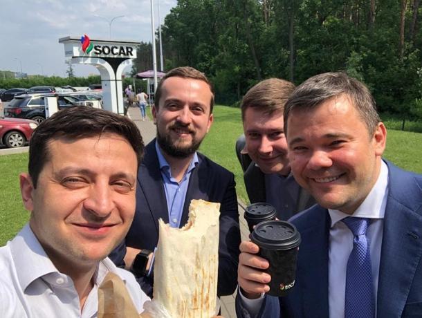Владимира Зеленского позвали в Ростов на чемпионат по поеданию шаурмы