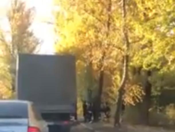 Откачивание пассажира переполненной маршрутки обеспокоенными ростовчанами попало на видео