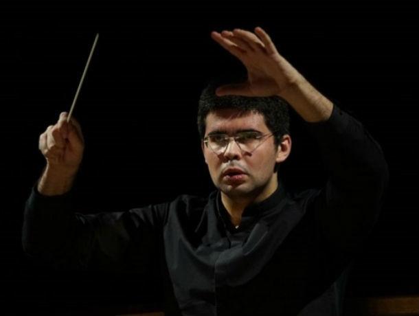Президент Путин наградил главного дирижера Ростовского академического симфонического оркестра