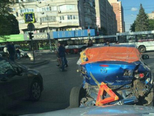 Жуткий автокадавр из Японии испугал и рассмешил жителей центра Ростова
