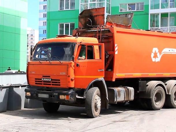 Новые мусоровозы приехали в Ростов-на-Дону