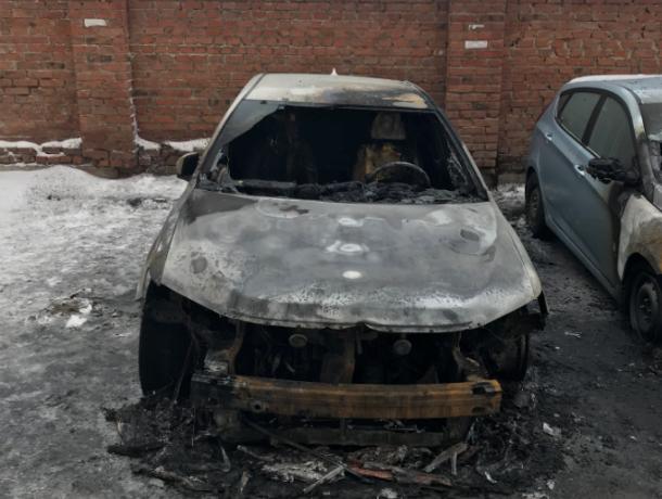 Крупное вознаграждение обещают за информацию о поджигателях автомобиля в Ростовской области
