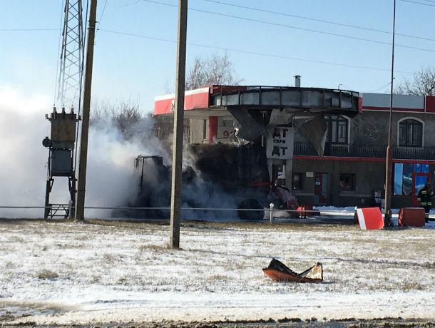 За несколько километров было слышно мощный взрыв, который произошел на заправке под Ростовом
