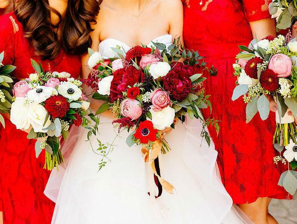 Букет из белых роз или байкерская вечеринка: какой должна быть идеальная свадьба