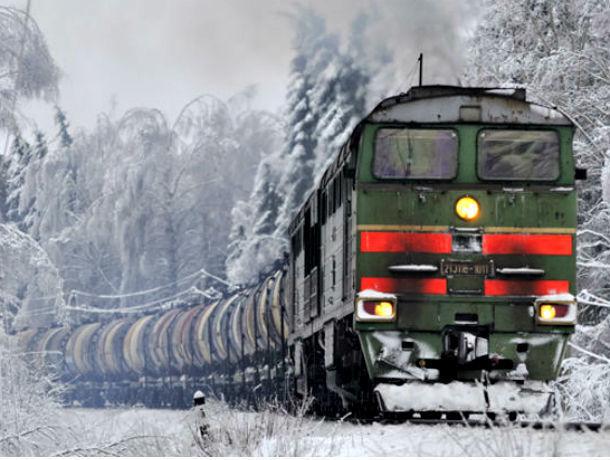ВРостовской области под колесами поезда умер мужчина