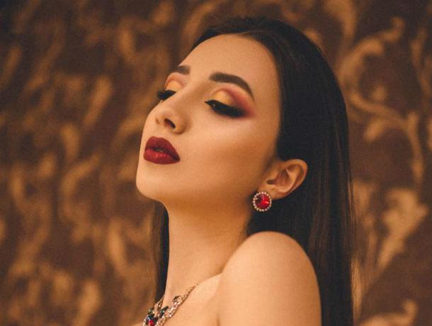 «Добираться к поставленной цели»: Ева Поповян – в конкурсе «Мисс Блокнот Ростов-2019»
