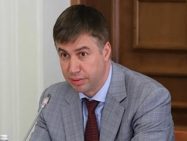 Логвиненко пригрозил уволить  главу департамента строительства Ростова