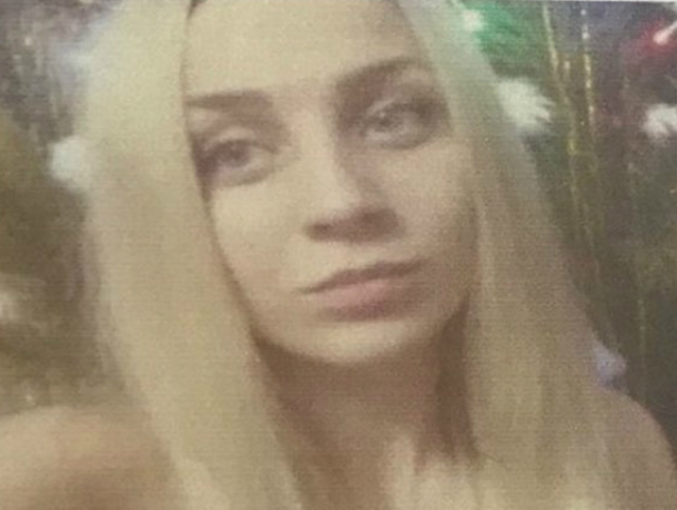 Ушедшая из дома в «номерной» шапке 22-летняя девушка пропала на улицах Ростова