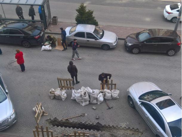 «Рвануло так, что дом затрясся»: в центре Ростова во время работ мужчина задел силовой кабель