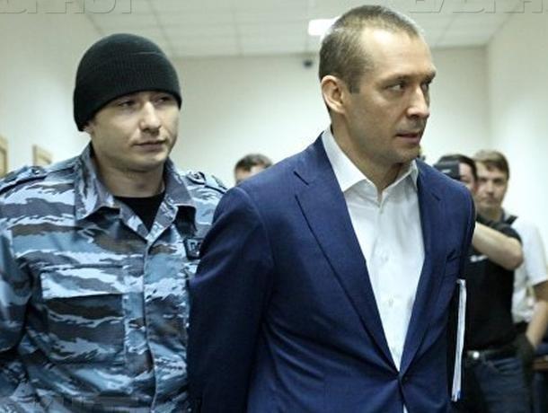 Отца полковника-миллиардера Захарченко арестовали в Ростовской области за махинации с деньгами банка