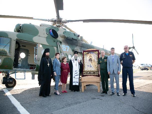 В честь юбилея Ростова в небе над городом вновь провели крестный ход