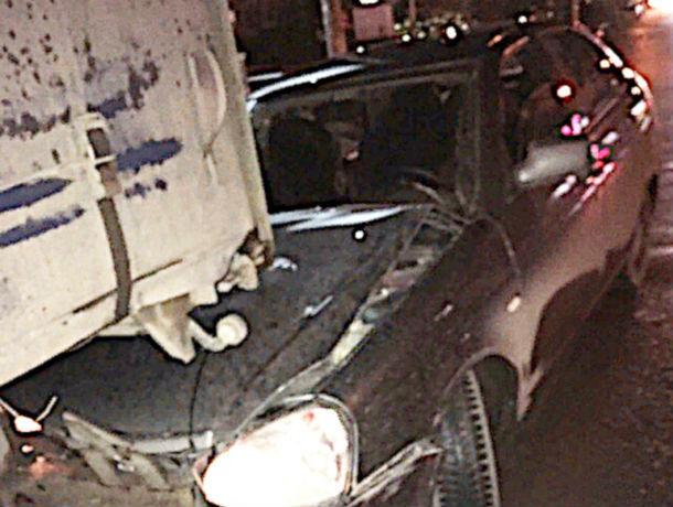 Авария на скорости: ростовский гонщик влетел прямиком под фуру