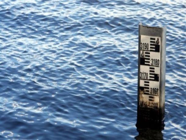 Штормовой ветер довел уровень воды в реке Дон до неблагоприятной отметки в Ростовской области
