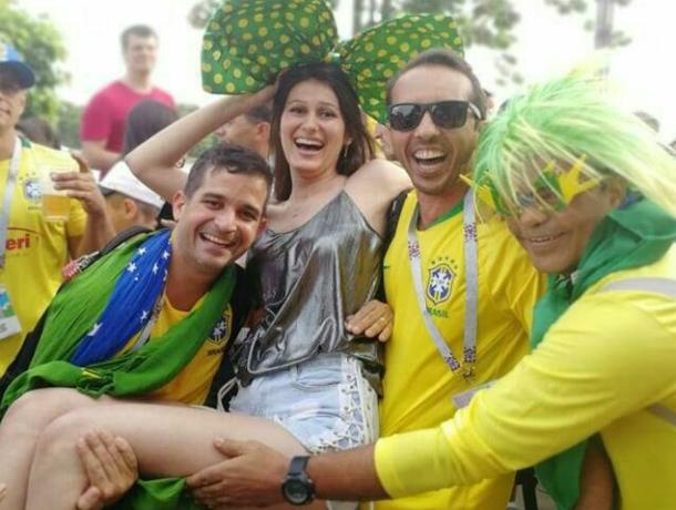 Млеющие от смуглых бразильских красавцев ростовчанки вызвали осуждение у местных жителей