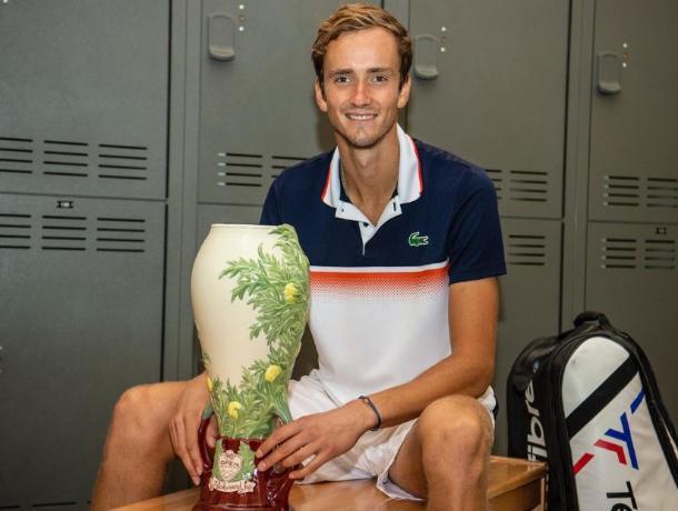 «Ростов» пригласил теннисиста Даниила Медведева и его отца на матч