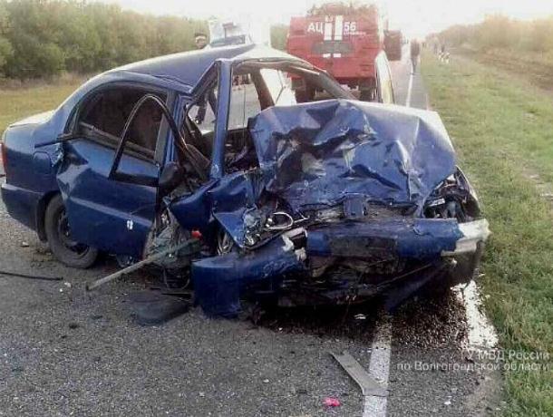 Двое ростовчан на «Ладе» и пассажир Chevrolet погибли в жутком ДТП на волгоградской трассе