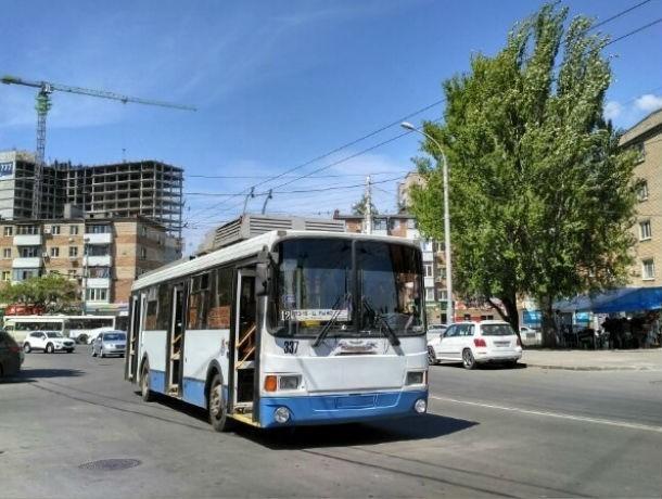 Ростовские троллейбусы перестали ездить из-за крупной аварии