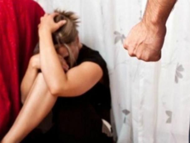 Опьяненный собственной безнаказанностью мужчина до полусмерти избил супругу в Ростове