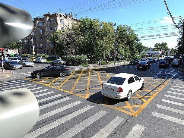 За что штрафуют на «вафельнице» объяснили в УГИБДД по Ростовской области