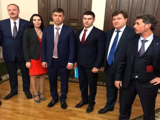 Экзамены для сити-менеджера Ростова: кандидаты рассказали, почему происходящее напоминало срежиссированный спектакль