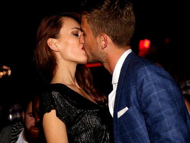 Роковая брюнетка из Ростова страстным поцелуем отбила миллионера у звезды «Дома-2» Виктории Бони
