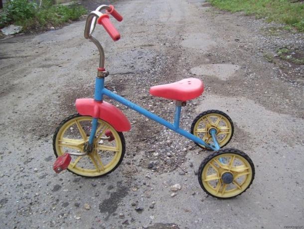 Взбесившийся «Почтальон Печкин» силой отобрал у ребенка велосипед и укатил в закат в Ростове
