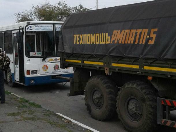Нервы накалены до предела: два перевозчика в Ростове третий день «сражаются» за маршруты №94 и 96