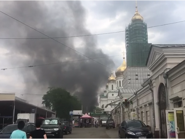 В Ростове сгорели ларьки в районе Центрального рынка