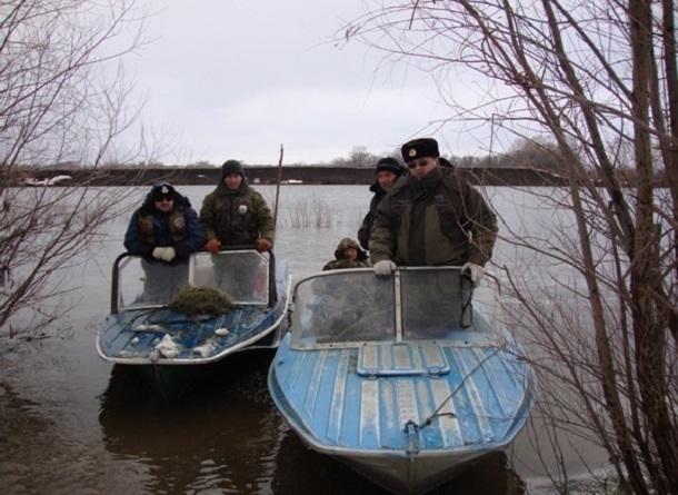 НаДону браконьеры выловили неменее 100 штук краснокнижной рыбы