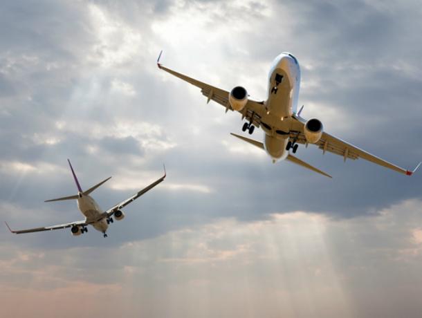 Летевшие навстречу друг другу авиалайнеры опасно сблизились в небе над Ростовской областью