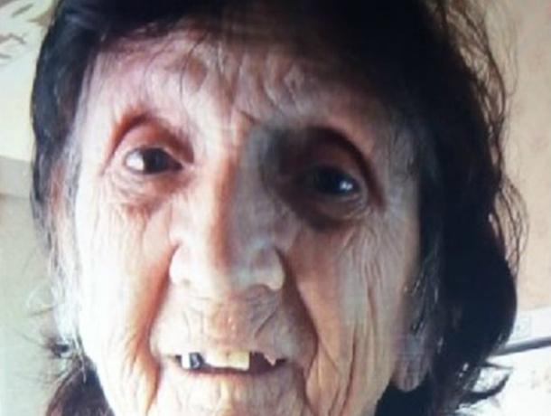 Темноволосая худенькая женщина в коричневом пиджаке ушла из дома и пропала в Ростове