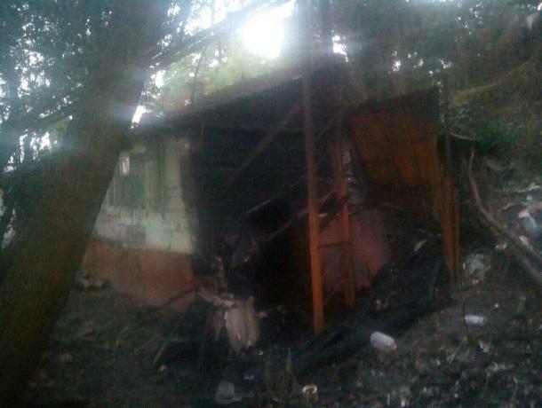 После визита «ненавязчивого» риэлтора у Театральной площади Ростова сгорело восемь домов