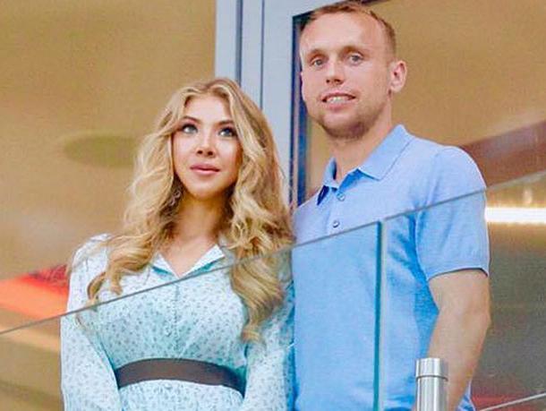 Суд обязал Дениса Глушакова содержать свою бывшую жену