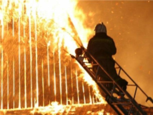 Сгоревшим при пожаре на заводе молодым сотрудником заинтересовались ростовские следователи