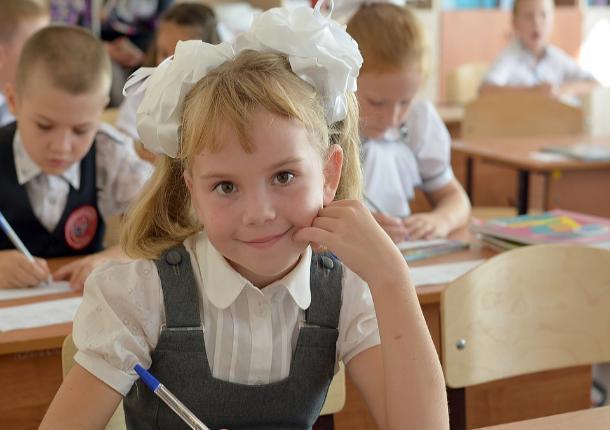Детская форма с эффектом скафандра: сколько стоит собрать ребенка в школу в Ростове