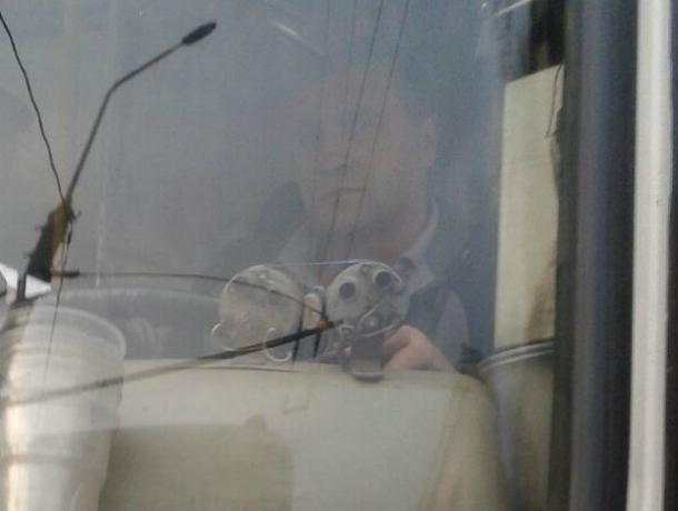 Честный ростовский маршрутчик на всех парах догонял пассажирку, чтобы дать сдачи со ста рублей