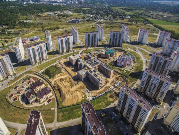 Строящаяся школа на Суворовском уже не вмещает всех желающих