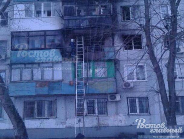 ВРостове мужчина прыгнул изокна горящей квартиры