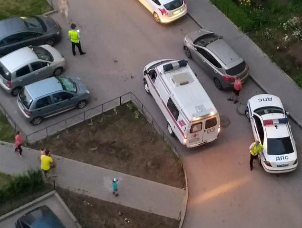 Под Ростовом-на-Дону перевернулась иностранная машина, погибли женщина и6-летняя девочка